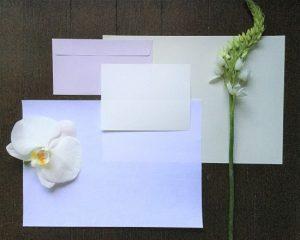 花に添えるメッセージカード